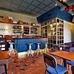 Vinnico arredi personalizzati Enoteca Wine Bar